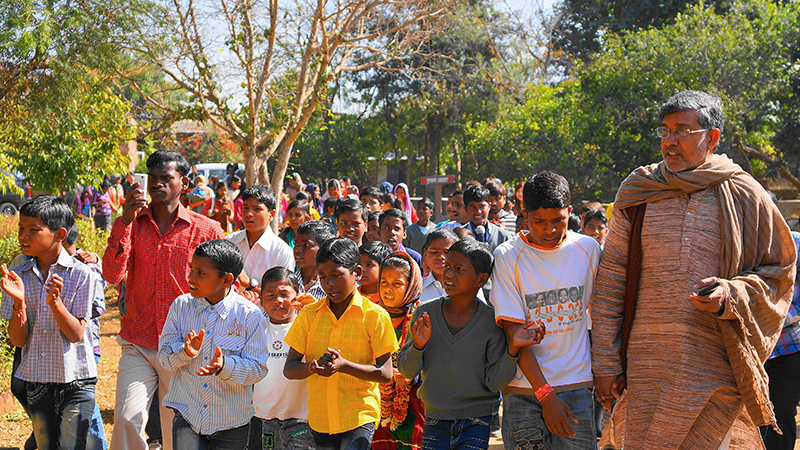 Kailash Satyarthi With Kids