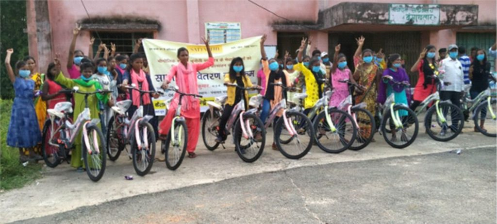 im2 KSCF Distributes Cycles to Encourage Girls to Continue Their Education